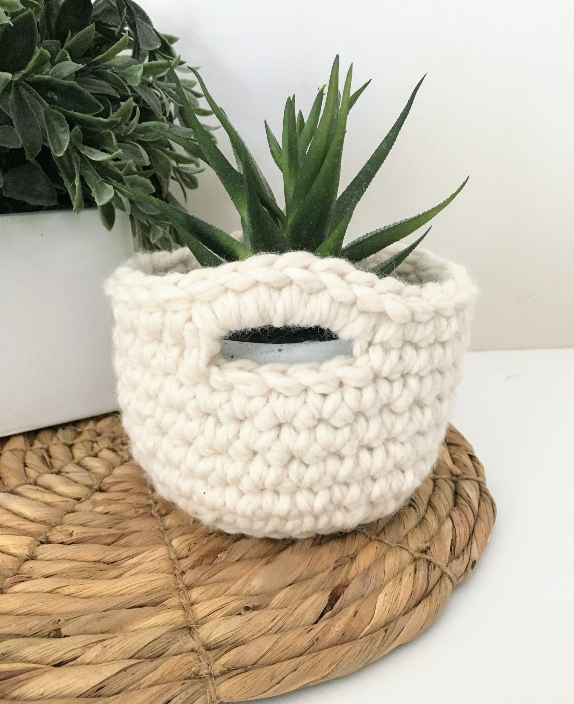 Quick Crochet Mini Basket | Free Crochet Pattern